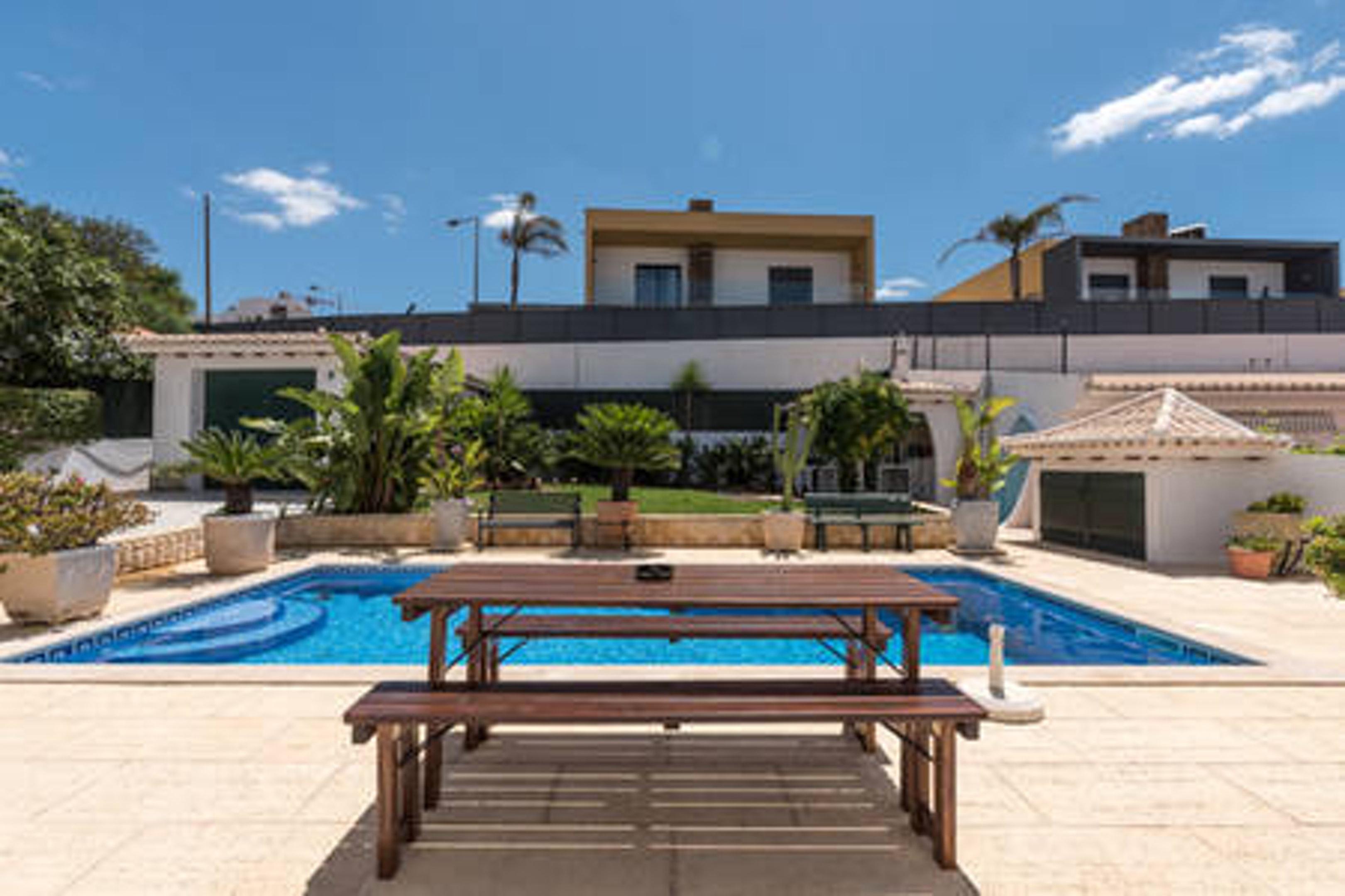 Studio in Albufeira mit Pool und eingezäuntem Garten 3 km vom Strand entfernt