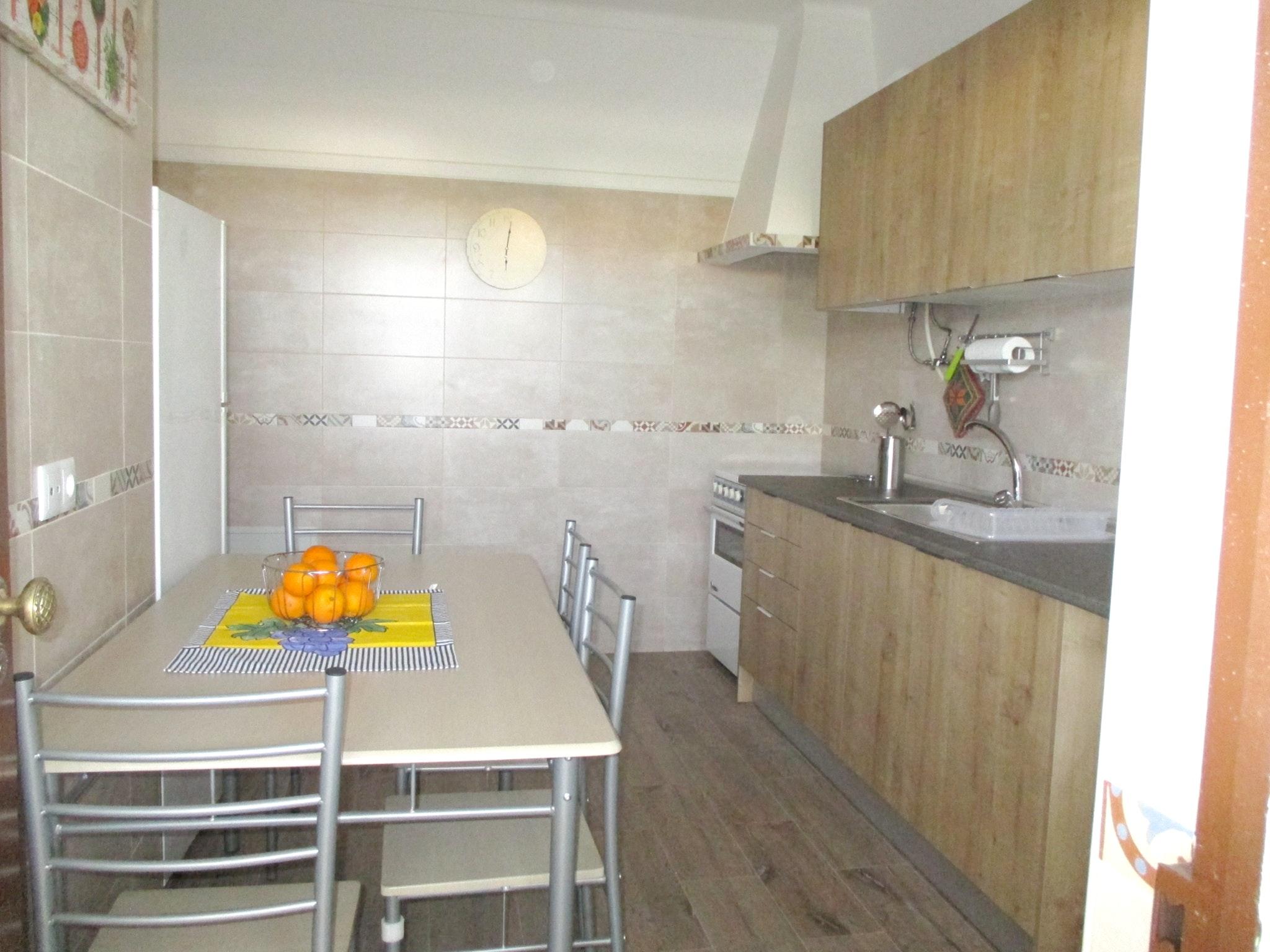 Ferienhaus Haus mit 3 Schlafzimmern in Luz (Luz de Tavira) mit eingezäuntem Garten - 2 km vom Strand  (2426449), Luz, Ria Formosa, Algarve, Portugal, Bild 5