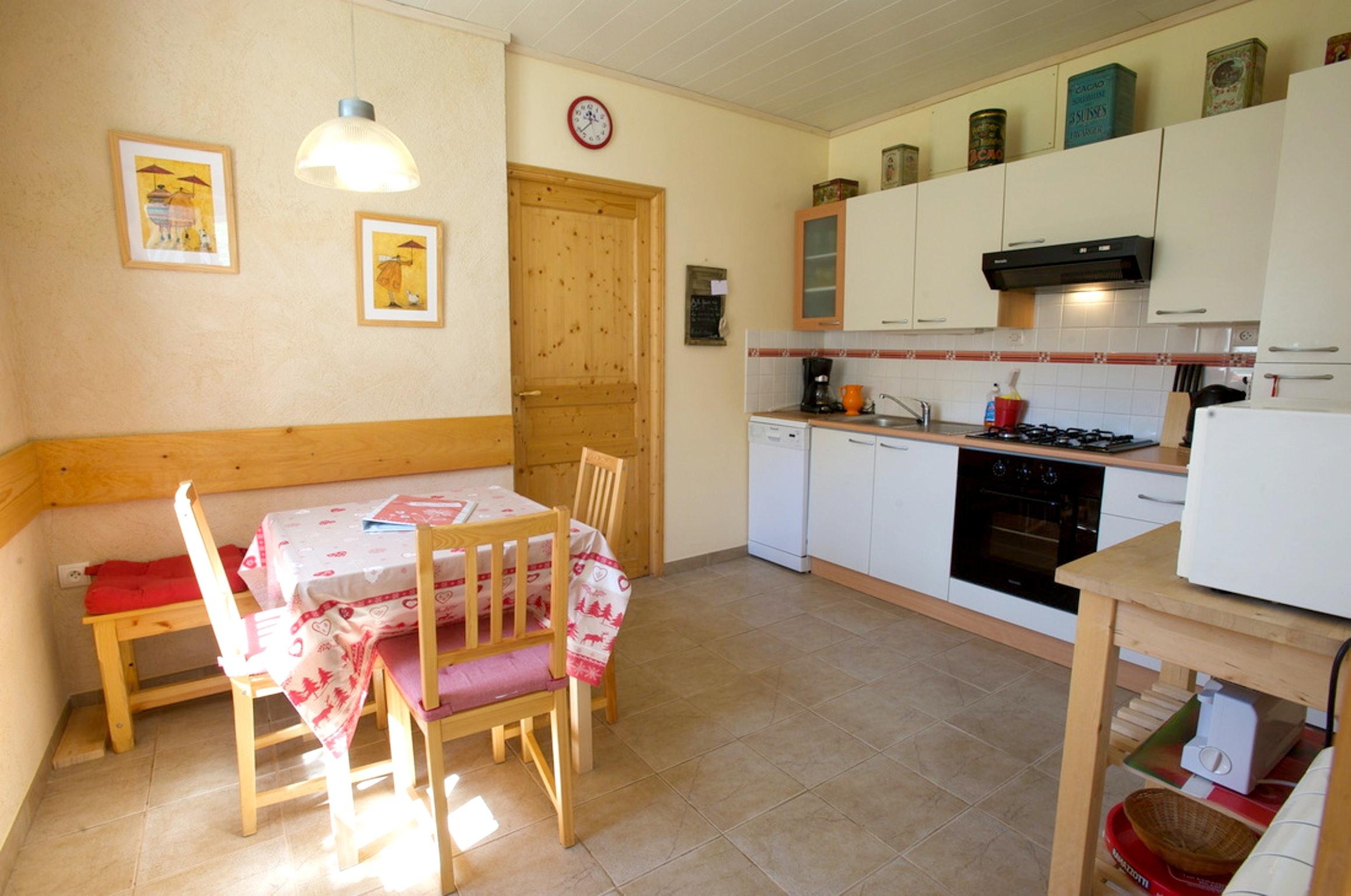 Maison de vacances Haus mit 2 Schlafzimmern in Villard-Saint-Sauveur mit toller Aussicht auf die Berge und ei (2704040), Villard sur Bienne, Jura, Franche-Comté, France, image 17
