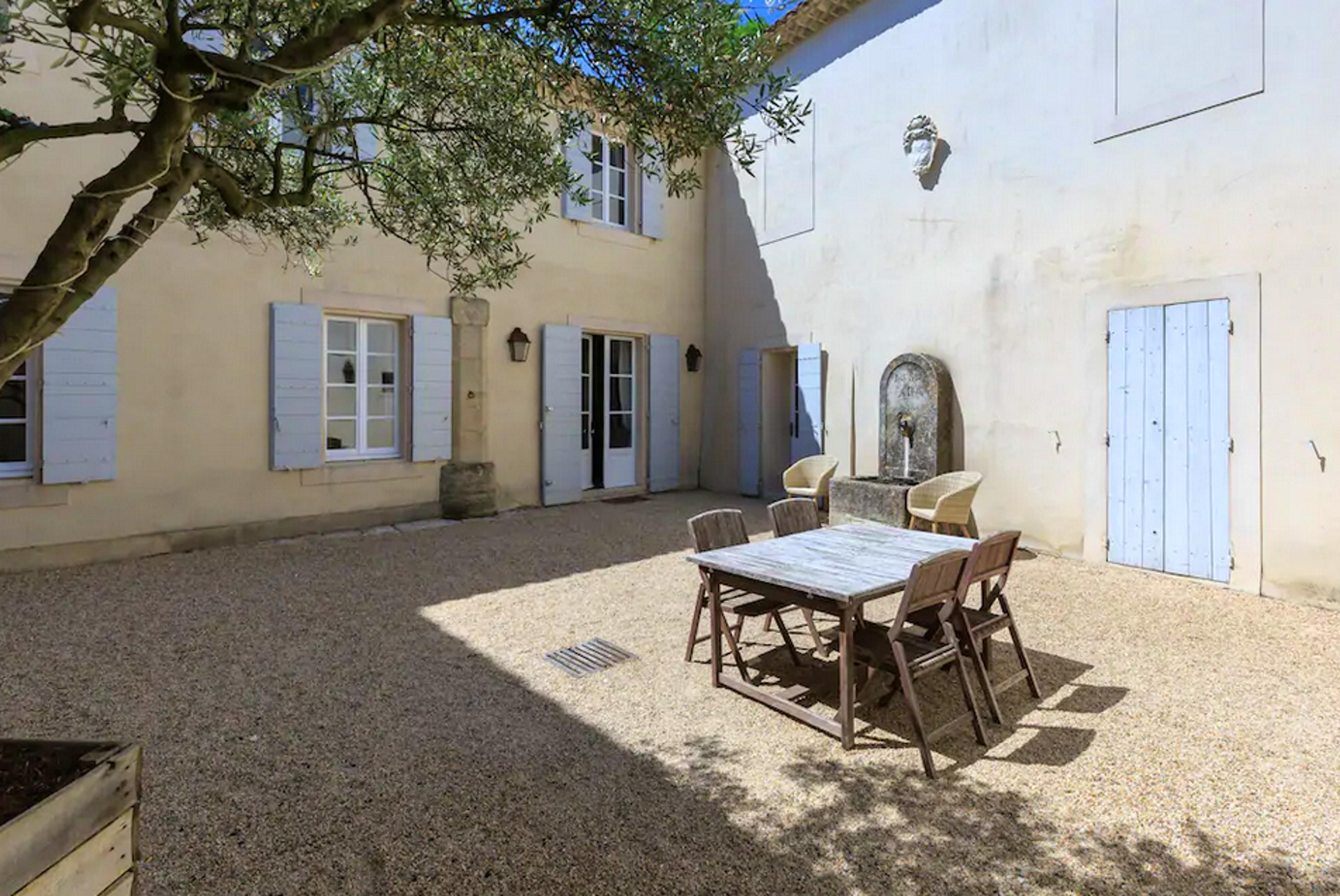Maison de vacances Villa mit 6 Schlafzimmern in L'Isle-sur-la-Sorgue mit privatem Pool, möbliertem Garten und (2647203), L'Isle sur la Sorgue, Vaucluse, Provence - Alpes - Côte d'Azur, France, image 17