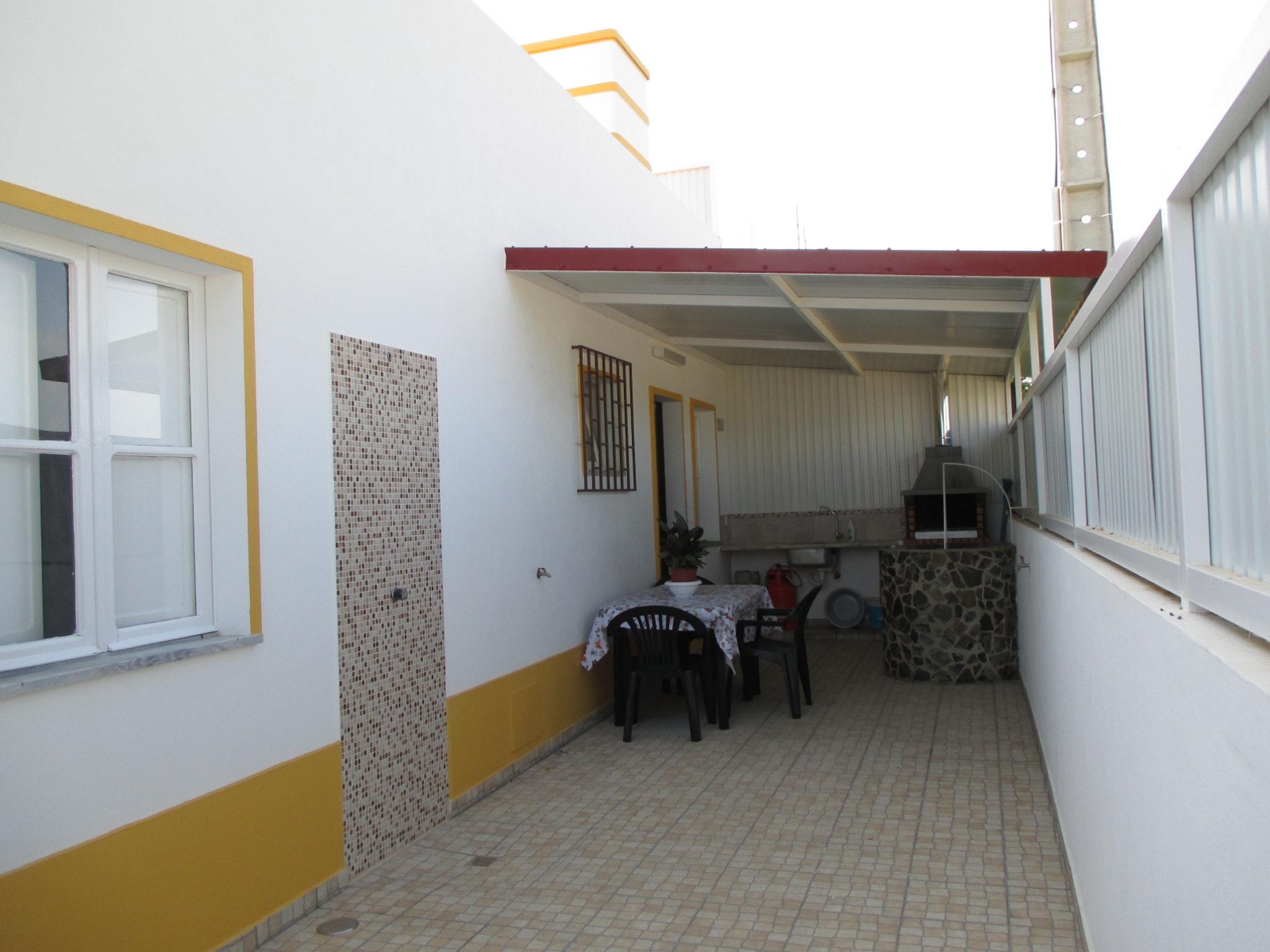 Ferienhaus Haus mit 3 Schlafzimmern in Luz (Luz de Tavira) mit eingezäuntem Garten - 2 km vom Strand  (2426449), Luz, Ria Formosa, Algarve, Portugal, Bild 17