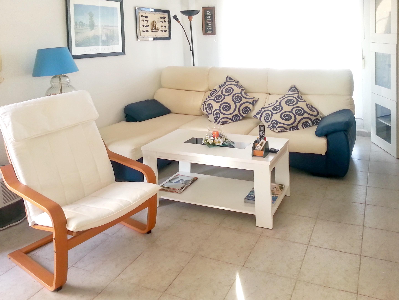 Ferienhaus Haus mit 2 Schlafzimmern in Torrevieja mit Pool, möbliertem Garten und W-LAN (2202043), Torrevieja, Costa Blanca, Valencia, Spanien, Bild 2