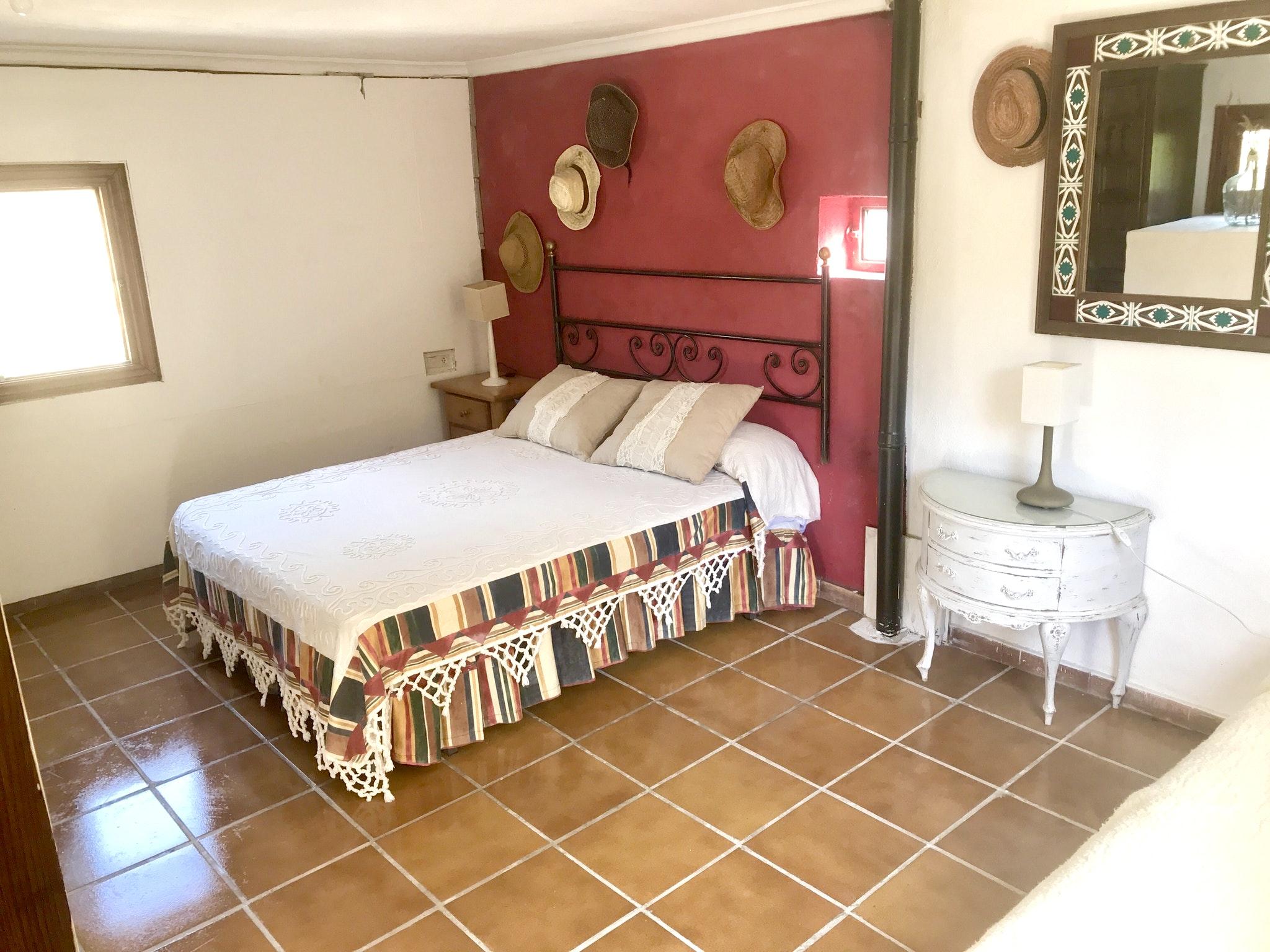 Maison de vacances Hütte mit 4 Schlafzimmern in Camarena de la Sierra mit toller Aussicht auf die Berge, priv (2474258), Camarena de la Sierra, Teruel, Aragon, Espagne, image 4