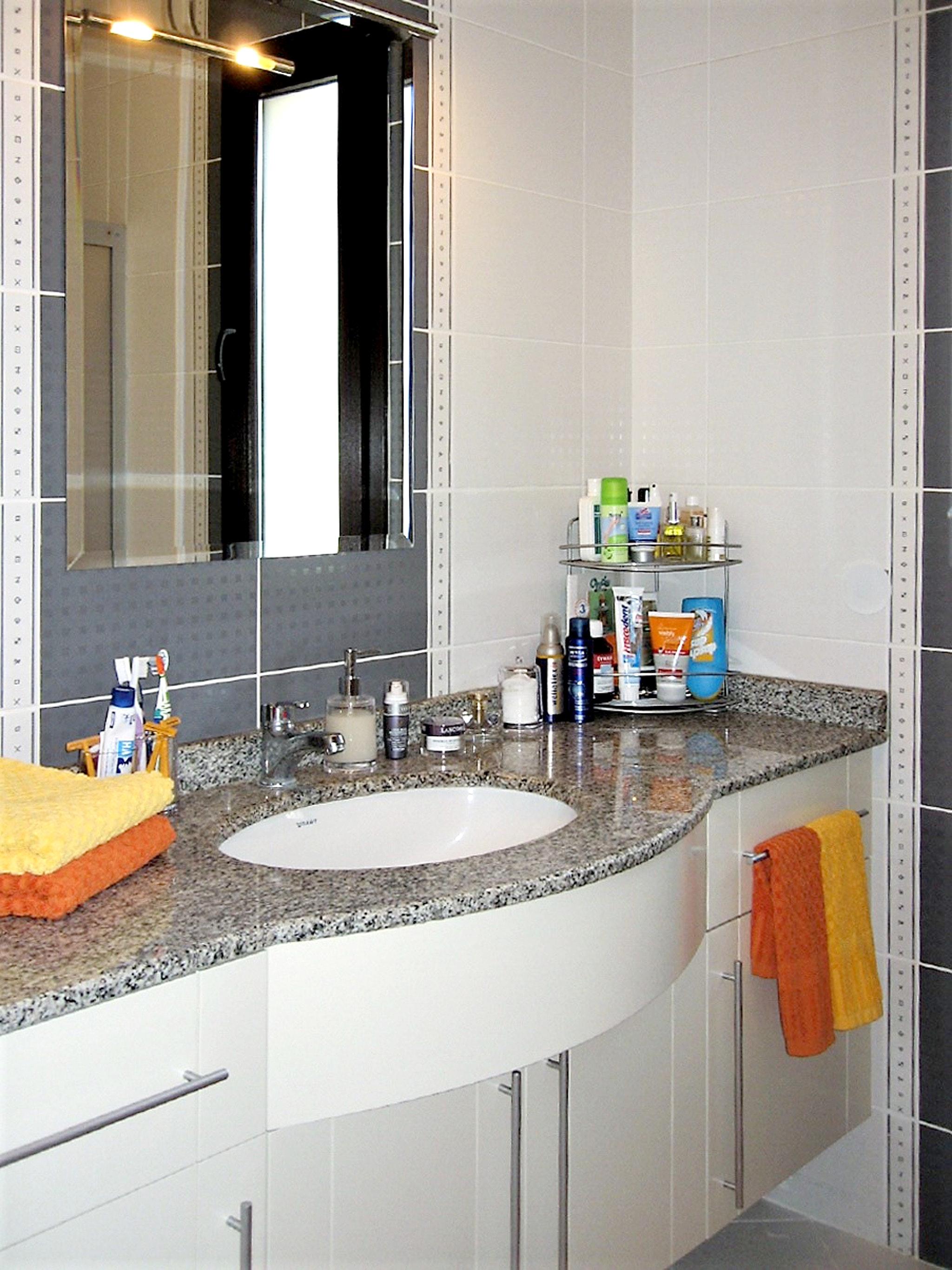 Maison de vacances Moderne türkische Villa mit zwei Pools, herrlicher Aussicht, WLAN und Zugang zu einem Priv (2202326), Turgutreis, , Région Egéenne, Turquie, image 20
