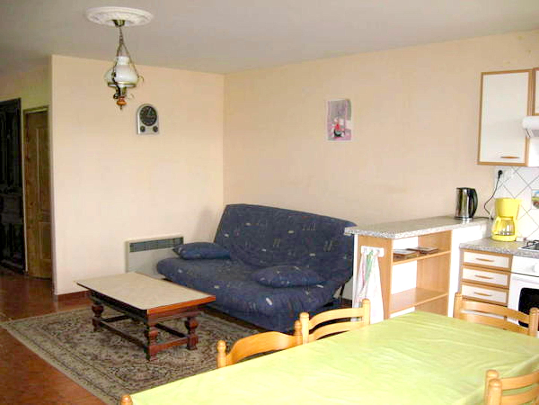 Maison de vacances Haus mit 2 Schlafzimmern in Saint-Laurent-la-Roche mit eingezäuntem Garten - 40 km vom Str (2208321), Montmorot, Jura, Franche-Comté, France, image 4