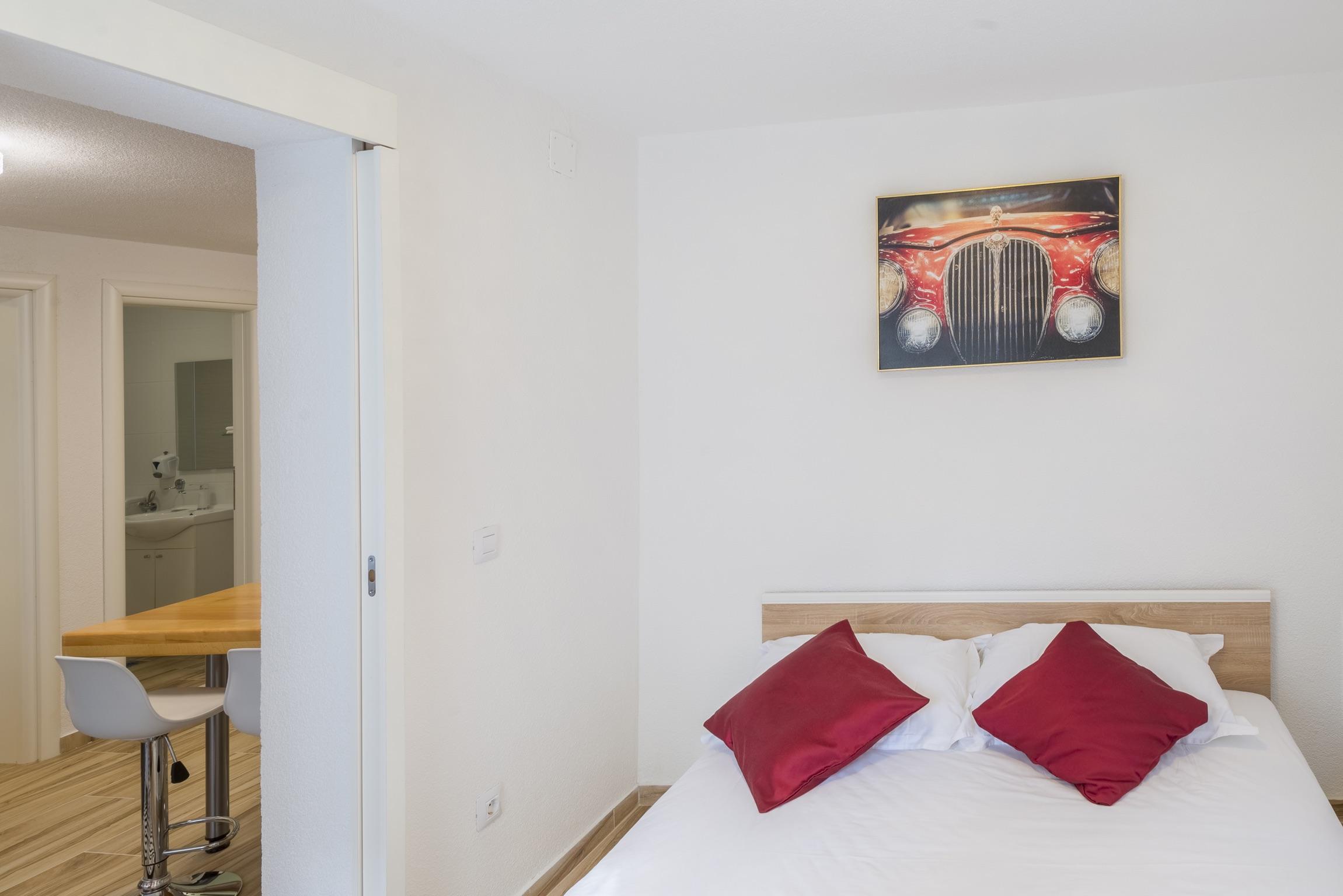 Ferienwohnung Wohnung mit 2 Zimmern in Baaka Voda mit herrlichem Meerblick, möblierter Terrasse und W-L (2201397), Baška Voda, , Dalmatien, Kroatien, Bild 18