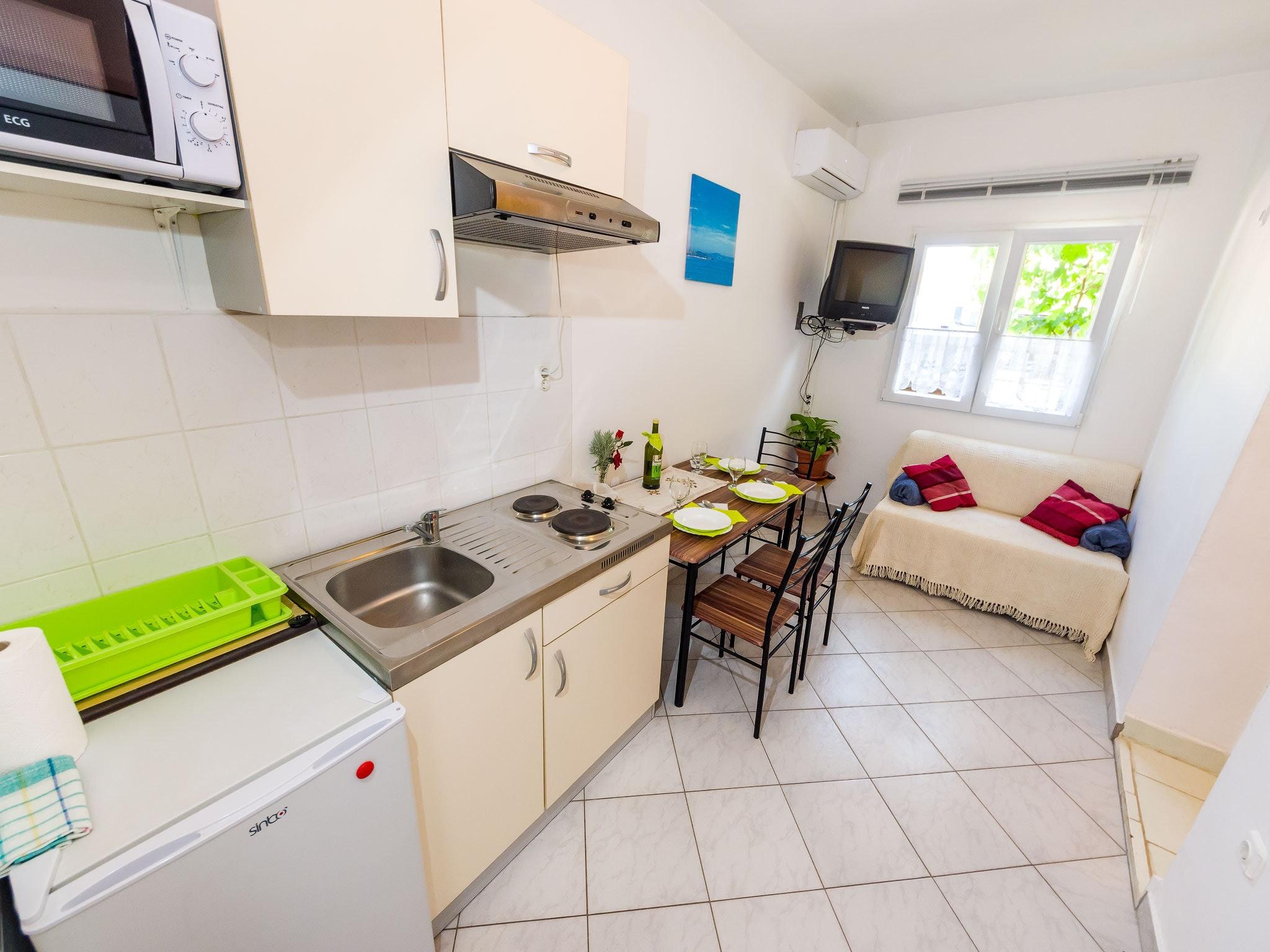 Holiday apartment Wohnung mit einem Zimmer in Zadar mit eingezäuntem Garten und W-LAN - 1 km vom Strand entf (2201234), Zadar, , Dalmatia, Croatia, picture 4