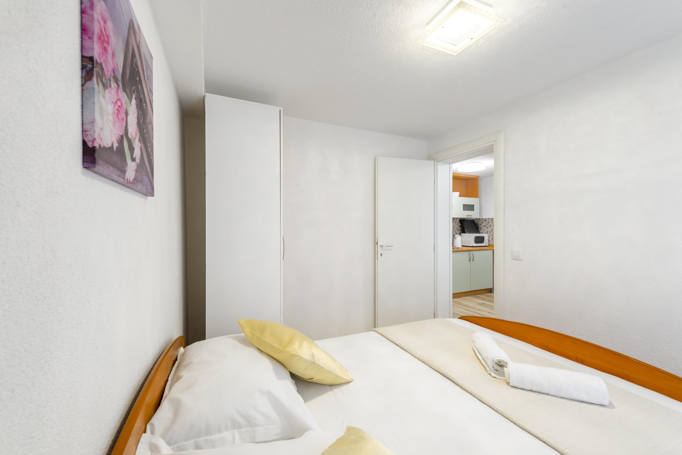 Ferienwohnung Wohnung mit 2 Zimmern in Baaka Voda mit herrlichem Meerblick, möblierter Terrasse und W-L (2201397), Baška Voda, , Dalmatien, Kroatien, Bild 20