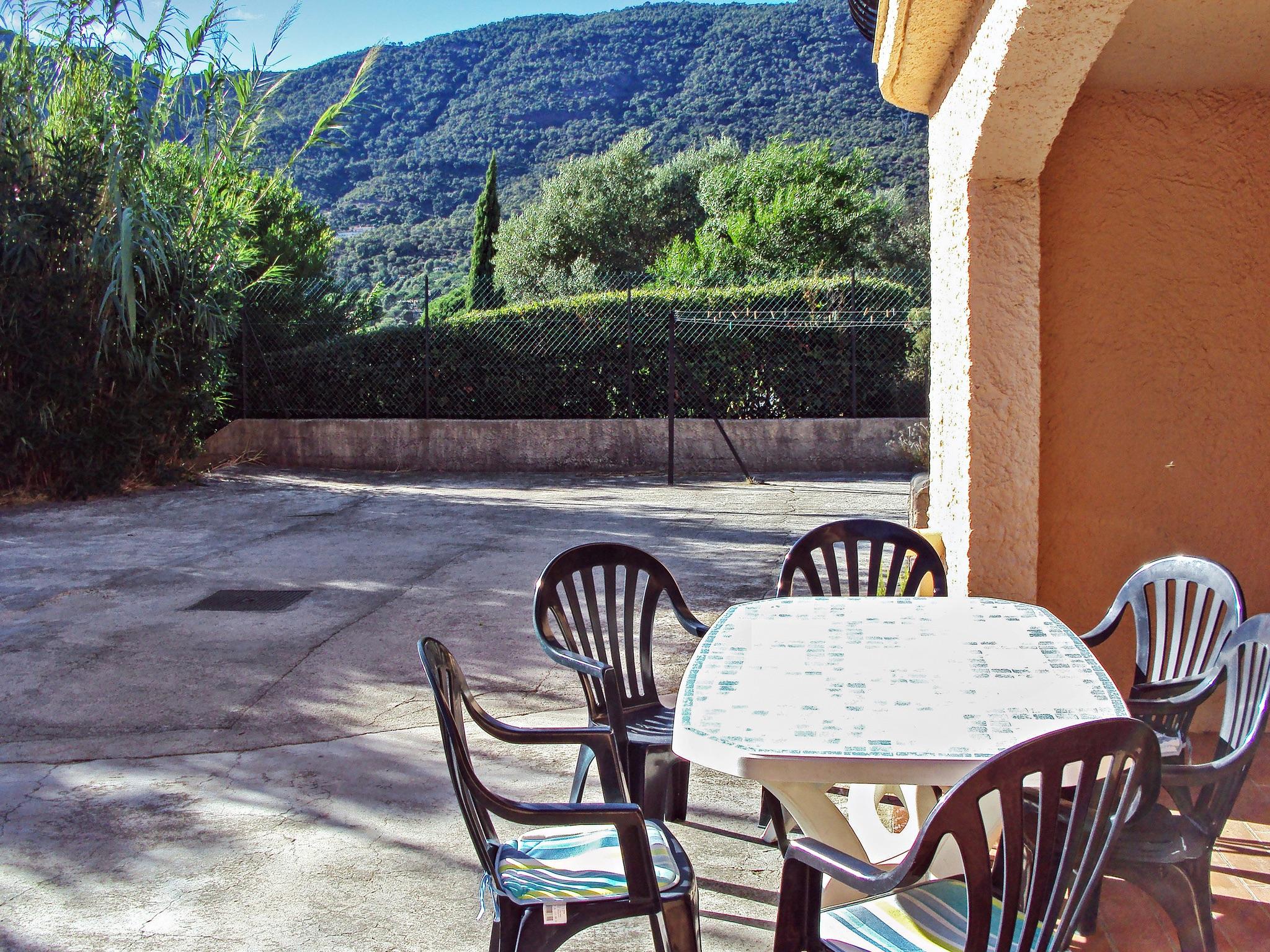 Holiday apartment Wohnung an der Côte d'Azur mit Terrasse, 900 m vom Strand und dem Zentrum entfernt (2202310), Cavalaire sur Mer, Côte d'Azur, Provence - Alps - Côte d'Azur, France, picture 2