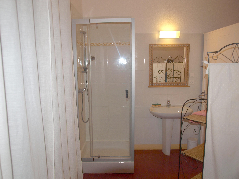 Holiday house Villa mit 4 Schlafzimmern in Caromb mit toller Aussicht auf die Berge, privatem Pool, eing (2437960), Caromb, Vaucluse, Provence - Alps - Côte d'Azur, France, picture 13