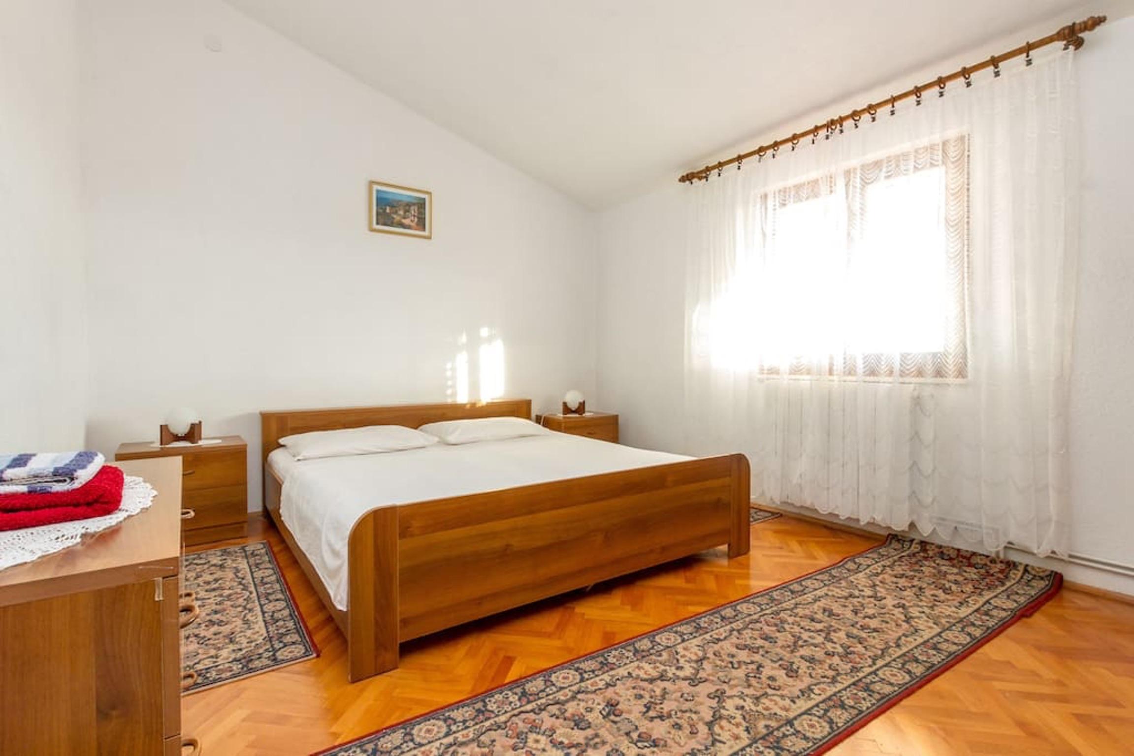 Ferienwohnung Wohnung mit 3 Zimmern in Seget Vranjica mit herrlichem Meerblick und eingezäuntem Garten - (2339638), Seget Donji, , Dalmatien, Kroatien, Bild 6