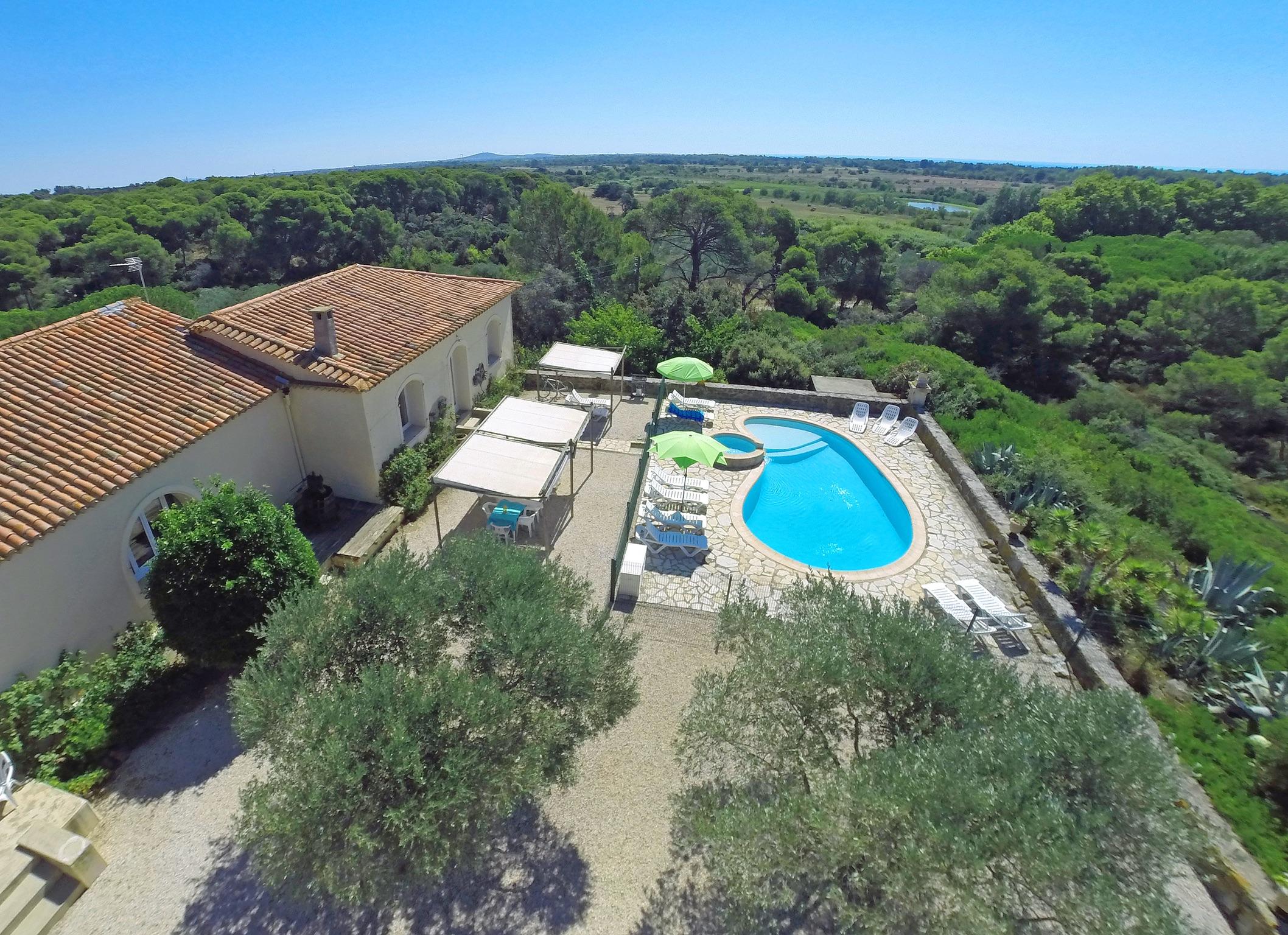 Ferienhaus Charaktervolles Haus in Hérault mit Pool und Garten (2201003), Portiragnes, Mittelmeerküste Hérault, Languedoc-Roussillon, Frankreich, Bild 1