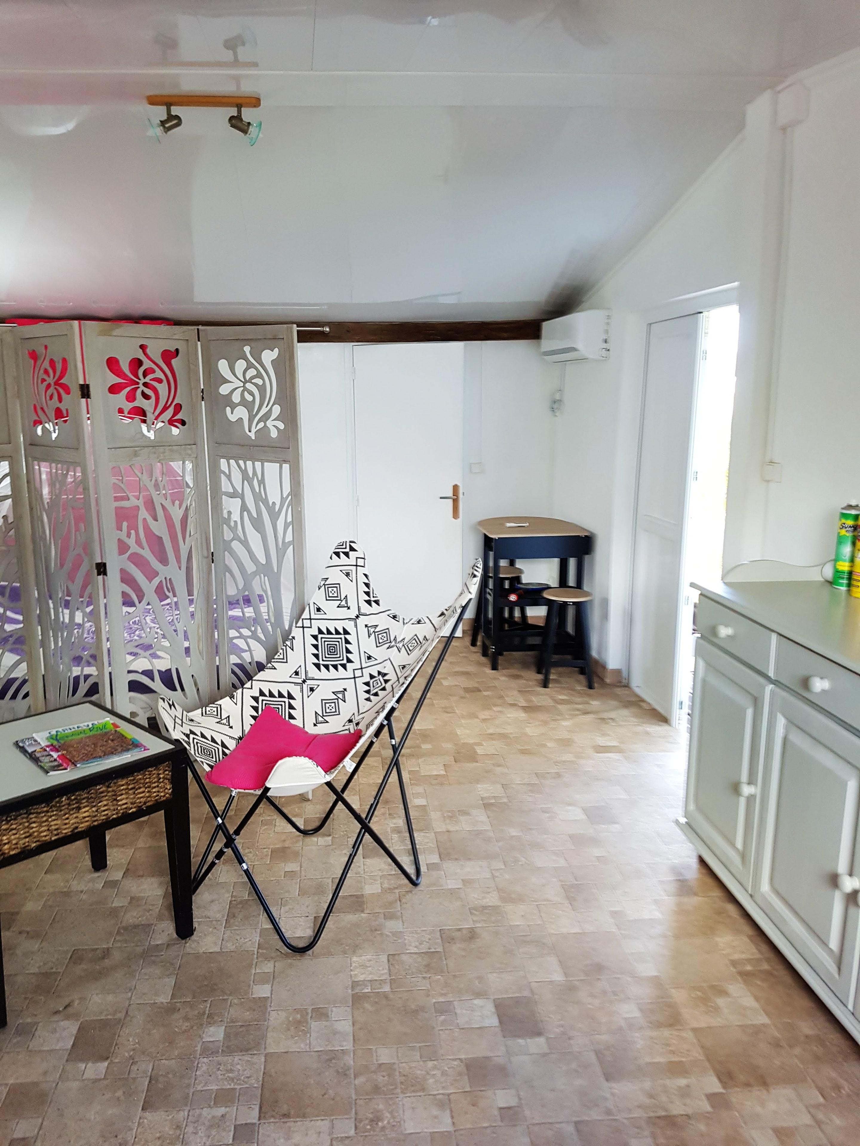 Ferienhaus Bungalow mit einem Schlafzimmer in Sainte-Anne mit eingezäuntem Garten und W-LAN - 3 km vo (2663912), Sainte-Anne (Guadeloupe), Grande-Terre, Guadeloupe, Karibische Inseln, Bild 2
