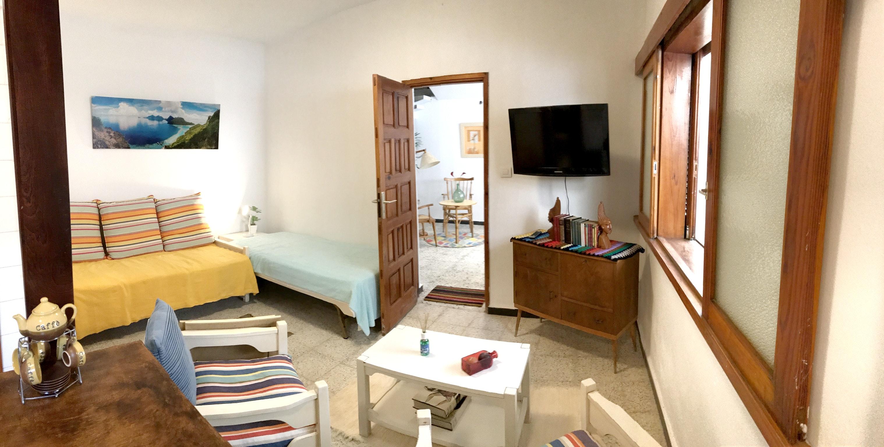 Appartement de vacances Studio in El Médano mit eingezäuntem Garten und W-LAN - 100 m vom Strand entfernt (2399644), El Medano, Ténérife, Iles Canaries, Espagne, image 2