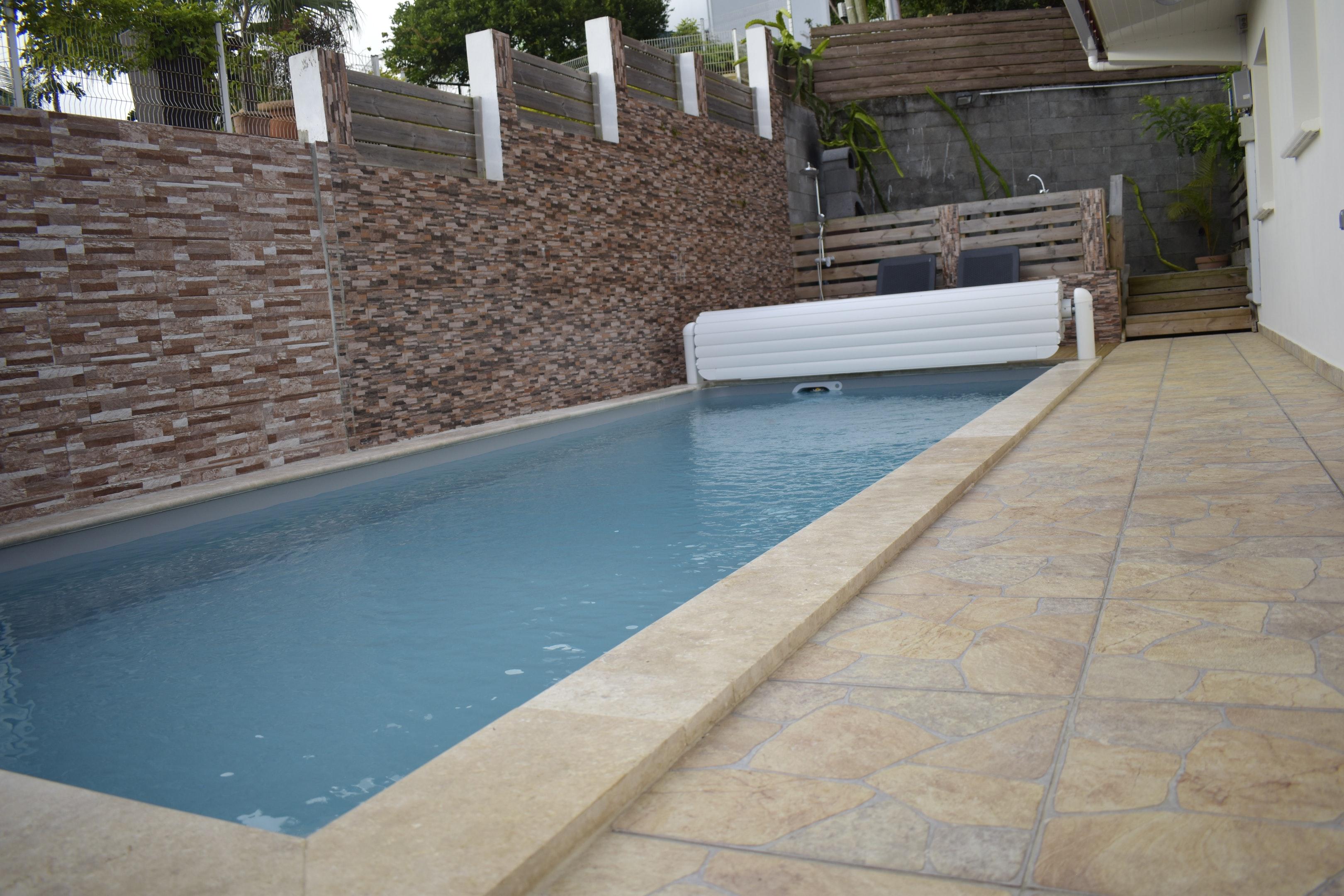 Villa mit 4 Schlafzimmern in Piton Saint-Leu mit p Villa in Afrika