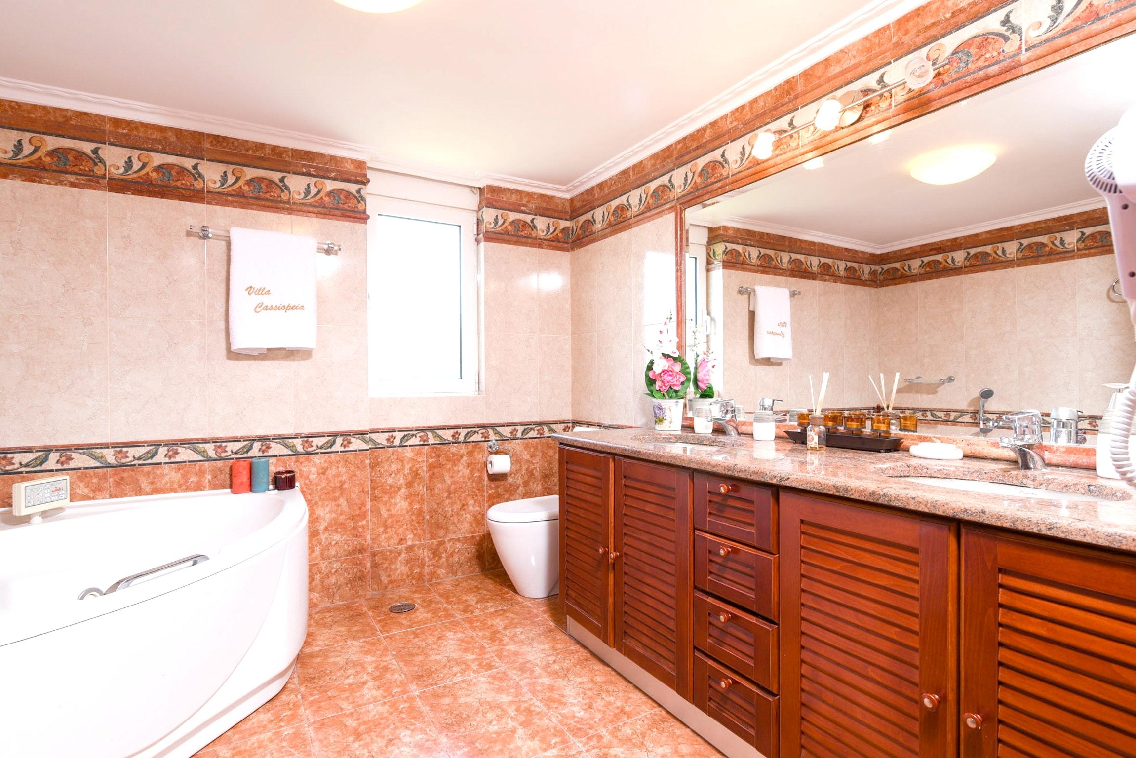 Holiday house Villa mit 5 Schlafzimmern in Kitsi mit privatem Pool, eingezäuntem Garten und W-LAN (2339398), Koropion, , Attica, Greece, picture 24