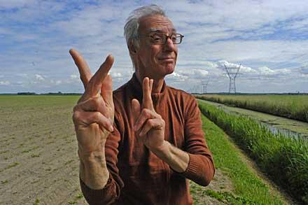 Muurgedicht in gebarentaal – door Wim Emmerik