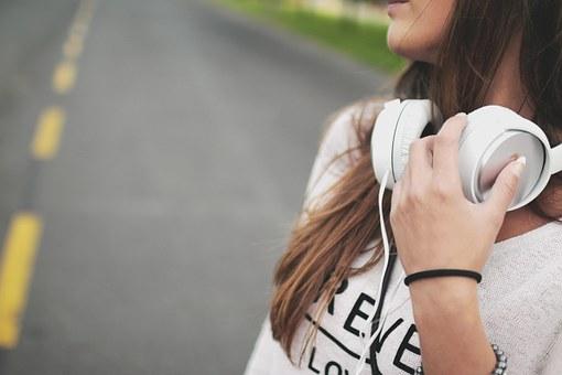 Een op de zeven kinderen lijdt aan gehoorschade door lawaai