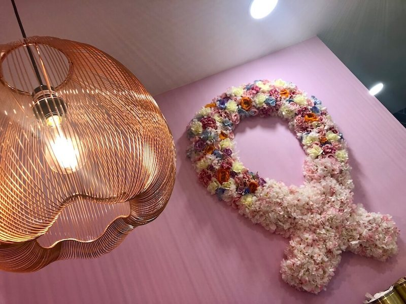Churro Floral Wall with Lamp