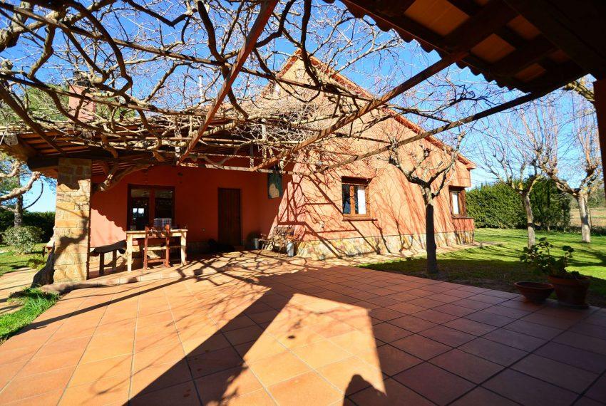 Casa de Campo en el Emporda Fachada Porche