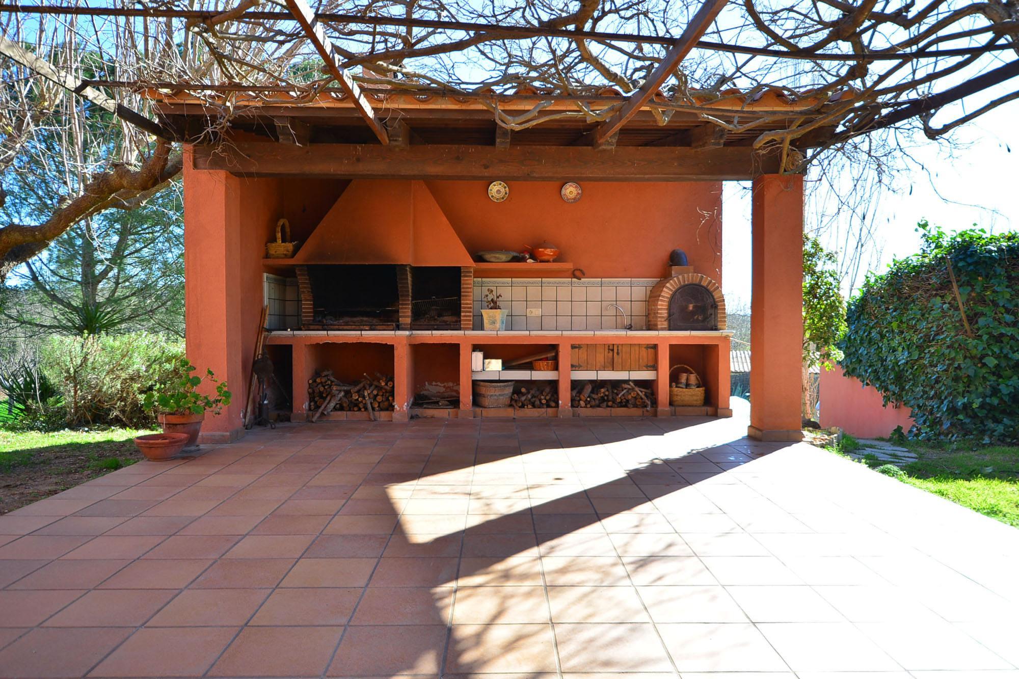 Casa de campo en el empord house catalonia - Barbacoa en casa ...