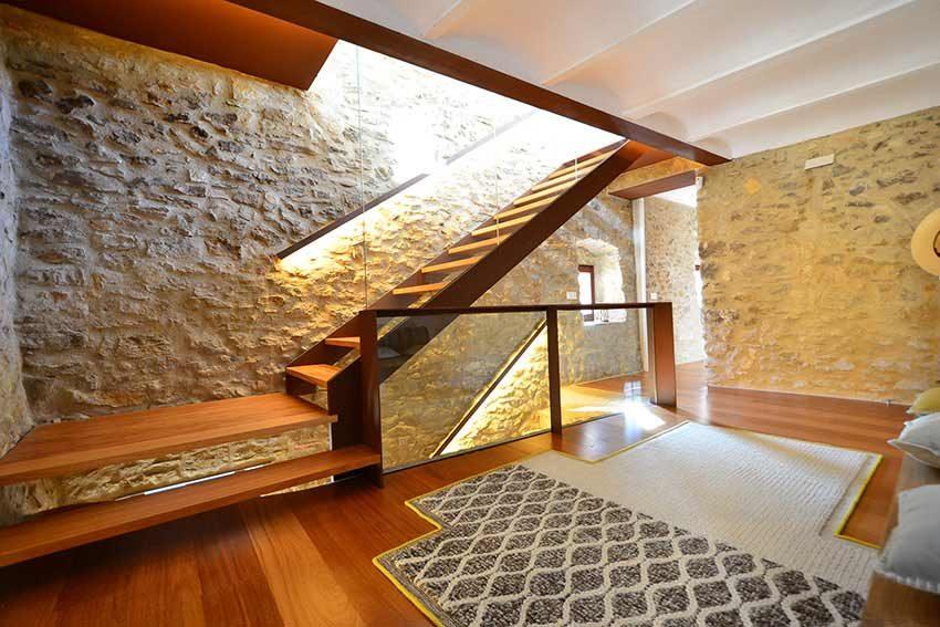 Casa-Rutica-Palau-Sator-Escalera