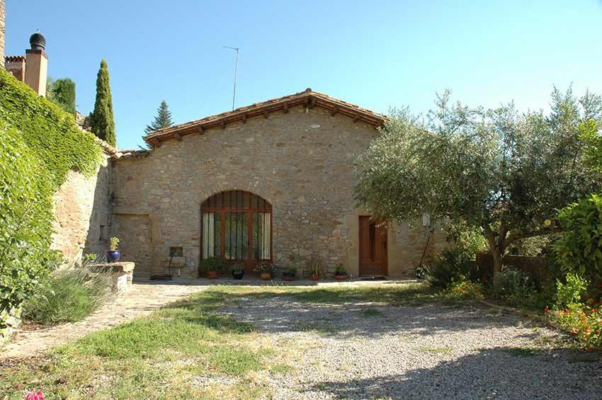 Casa-Rustica-Interior-Emporda-Fachada