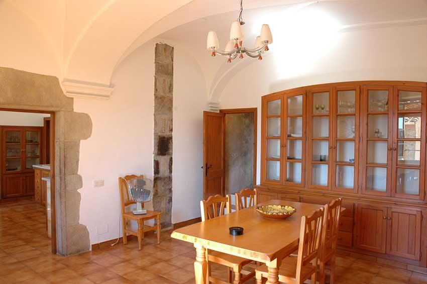 Casa-Rustica-Interior-Emporda-SAla