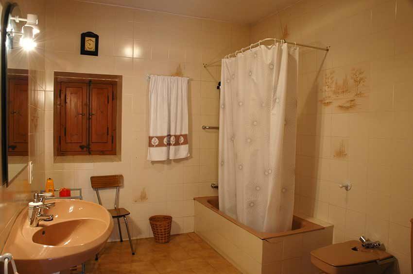 Casa-Rustica-Interior-Emporda-Bano
