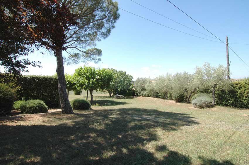 Casa-de-Campo-con-Vistas-Jardin-Lateral