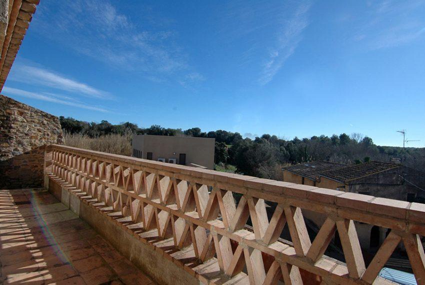 Casa-Obra-Nueva-Estilo-Rustico-Balcon