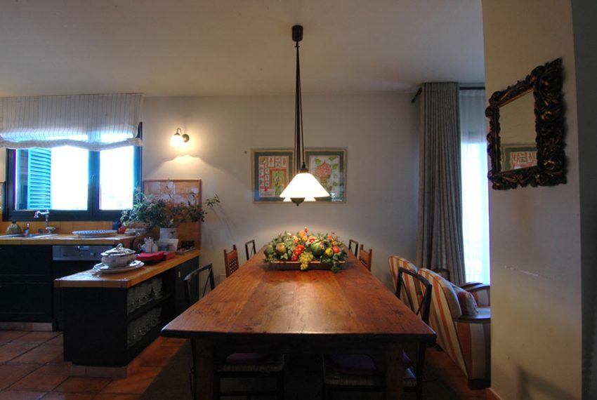 Casa-Estilo-Rustico-Baix-Emporda-Vista-Comedor