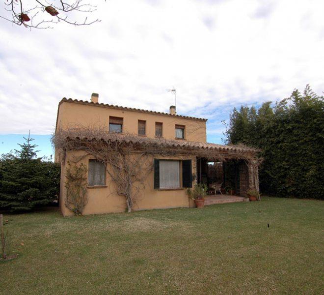 Casa de Estilo Rústico en el Baix Empordà