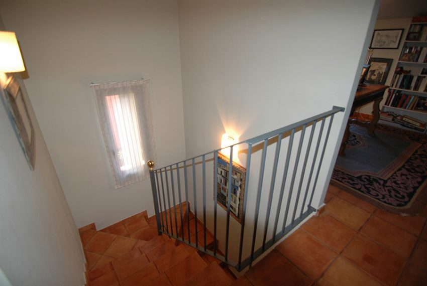 Casa-Estilo-Rustico-Baix-Emporda-Escaleras