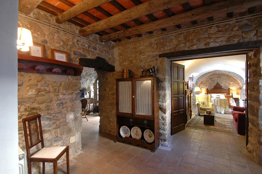 Casa de piedra con patio interior en el empord house catalonia casas r sticas - Salones de casas rusticas ...