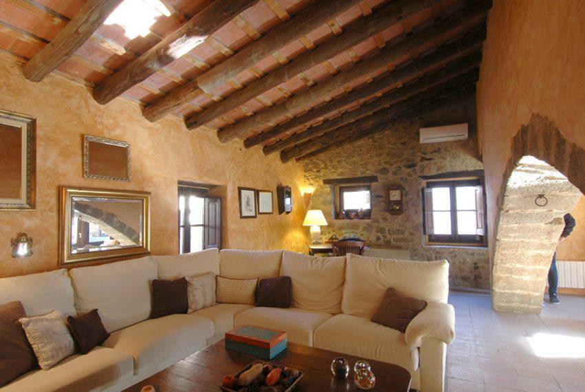 Casa-Rustica-Patio-Interior-11