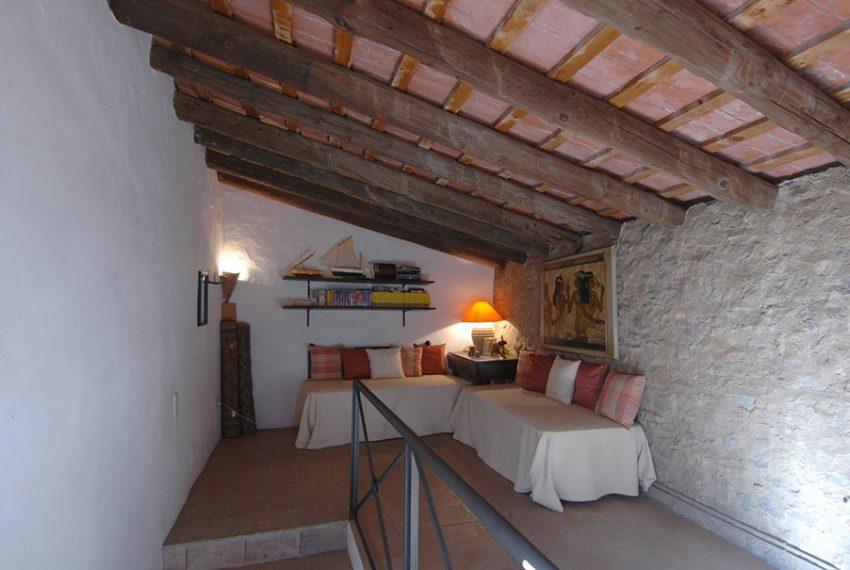Casa-Rustica-Patio-Interior-17