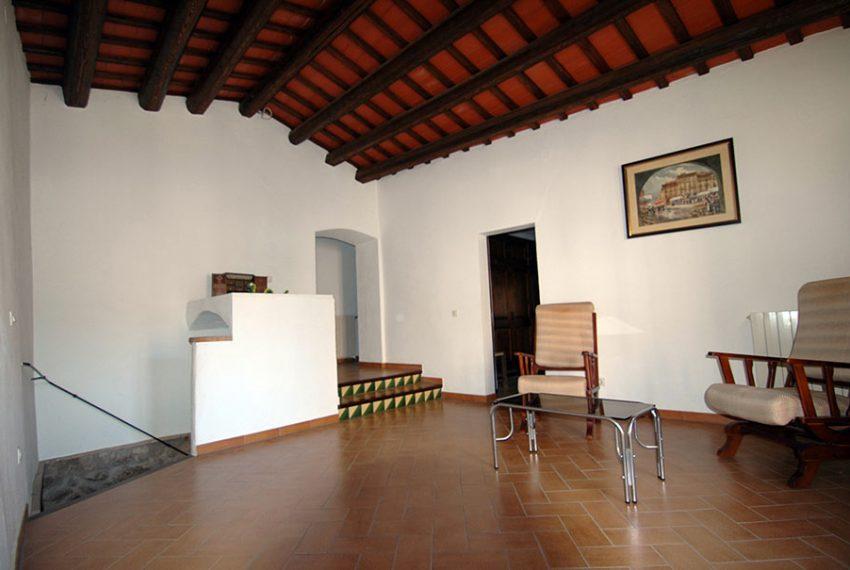 Casa-de-Pueblo-en-el-Emporda-Pasillo