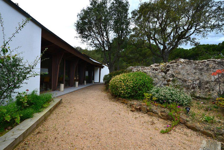 Villa-de-Diseno-en-el-Baix-Emporda-3