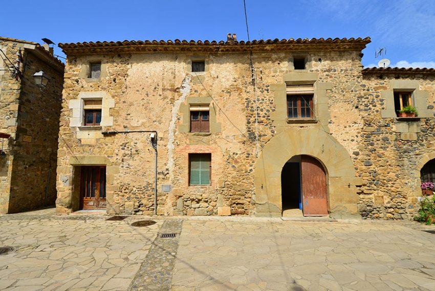 Casa-para-Restaurar-en-el-Centro-del-Pueblo-2