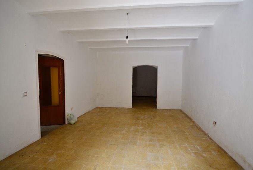 Casa-para-Restaurar-en-el-Centro-del-Pueblo-5