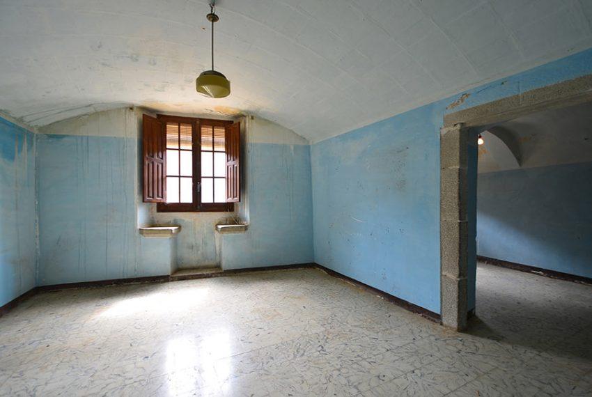 Casa-para-Restaurar-en-el-Centro-del-Pueblo-10