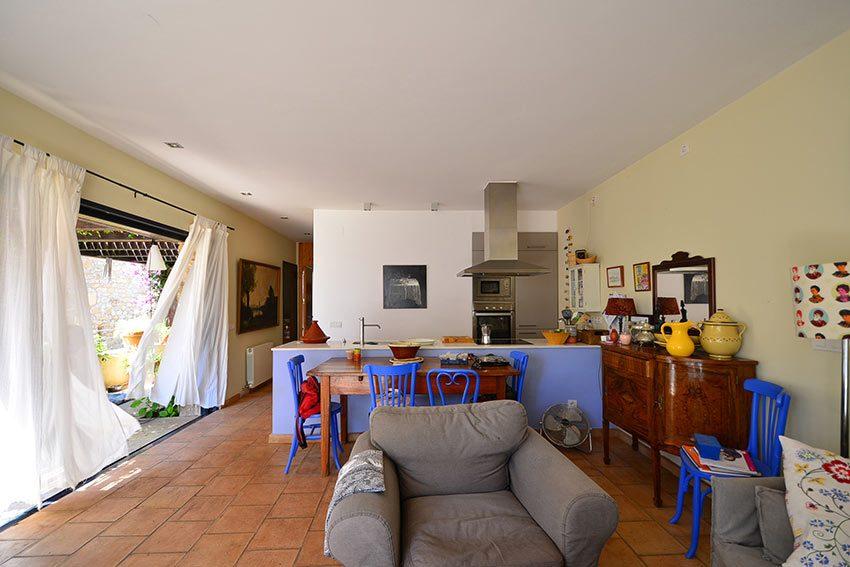 Bonita-Casa-Cerca-de-Bascara-3