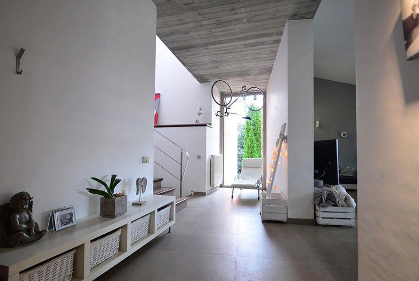Casa-con-Jardín-Navata-7