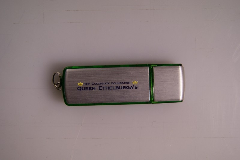 generic_2gb_usb_flash_drive