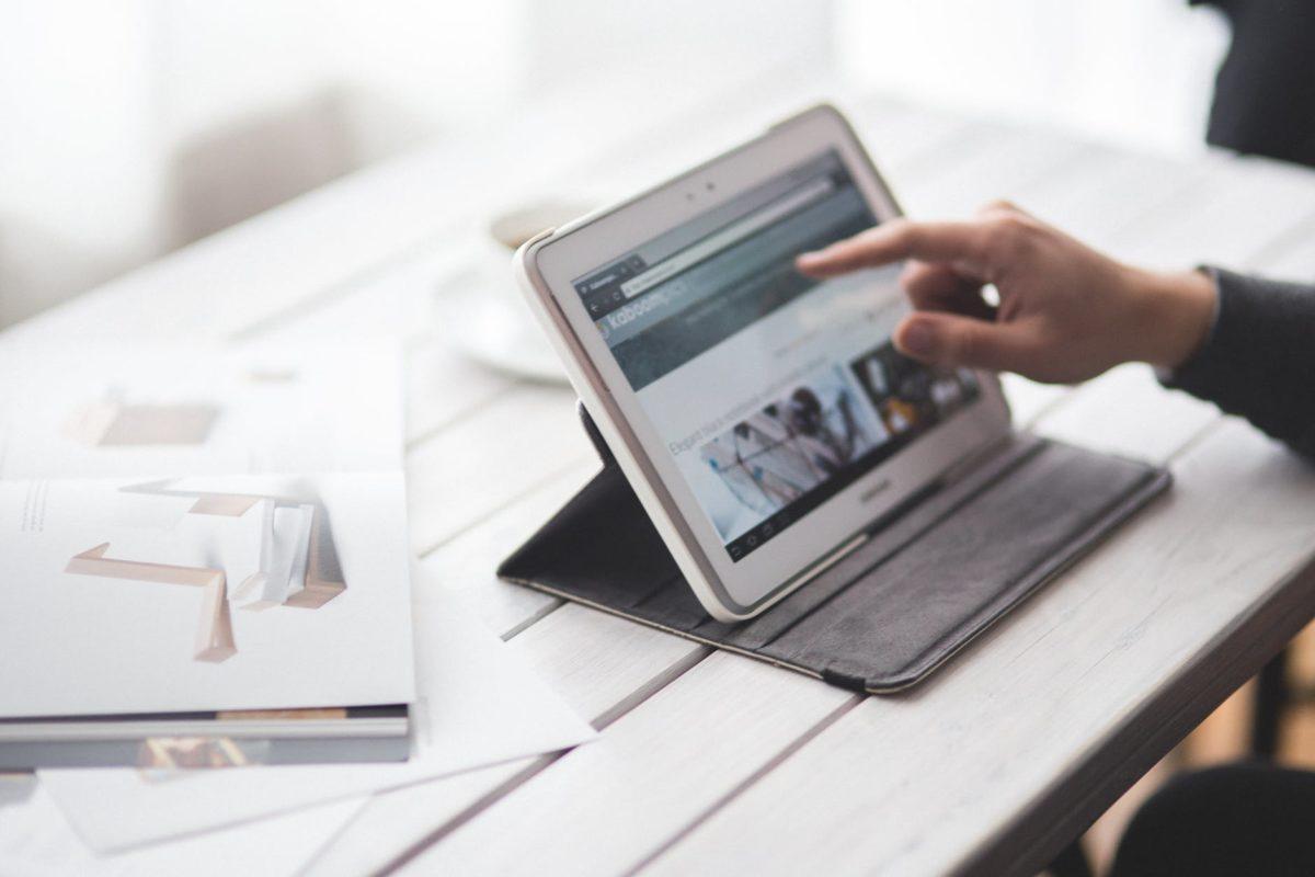 Vendere casa online: pro e contro delle agenzie digitali