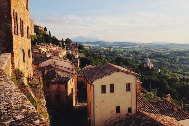 vendere casa agli stranieri - Toscana