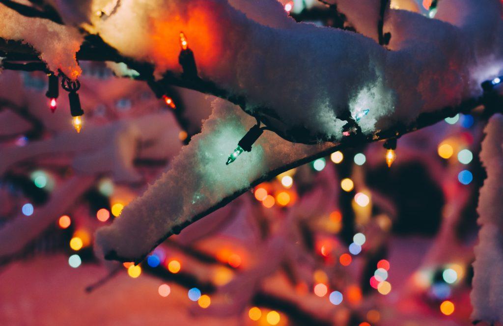 Decorar tu casa con luces de navidad para exteriores