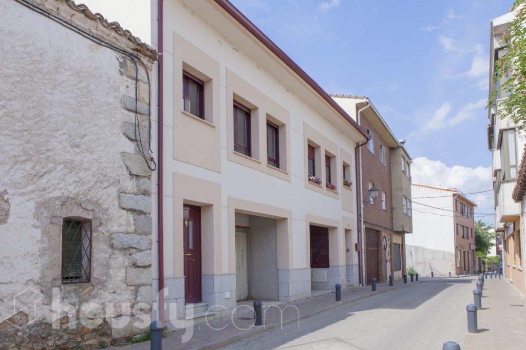 Pueblos cerca de Madrid: Casa en Buitrago de Lozoya