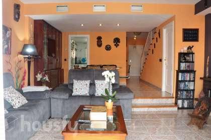 Casa en venta en Calle Maestro Granados